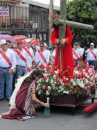Procesion-del-Viernes-Santo-2012-054